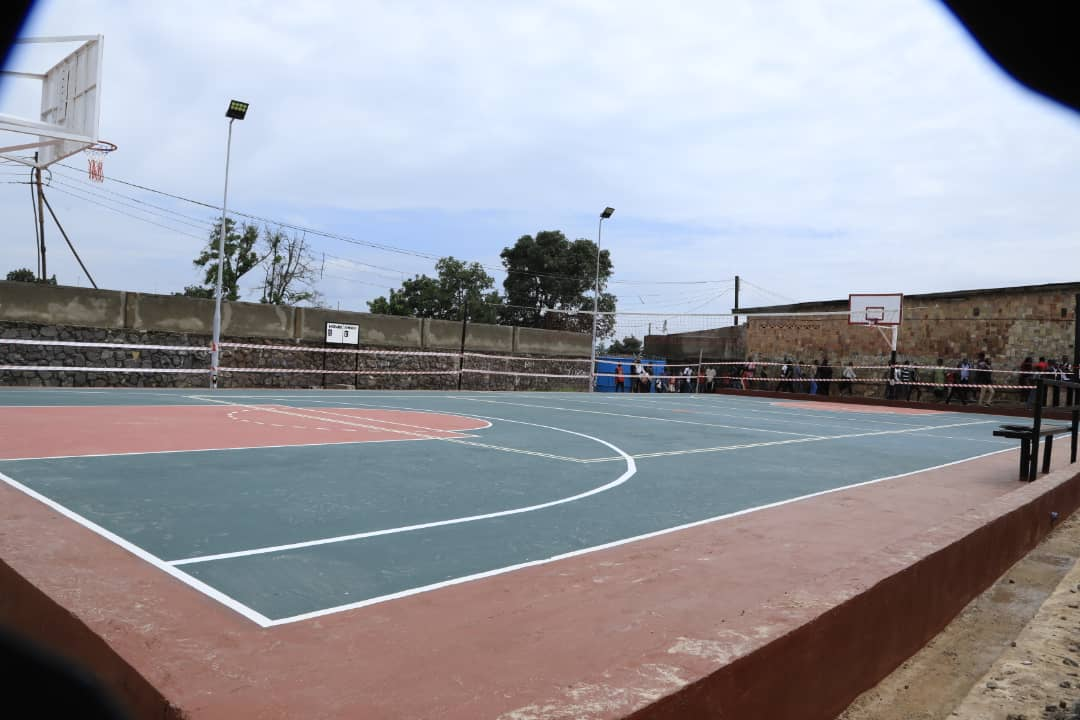 Nouveau terrain de basket-ball et volley-ball à Kolwezi
